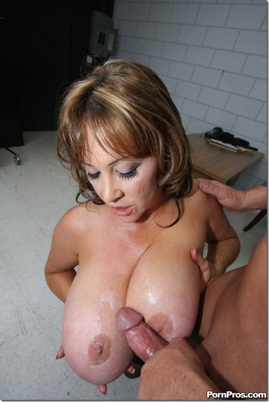 cumshot on jugs